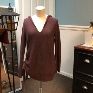 Jessica Simpson maternity sweater in maroon